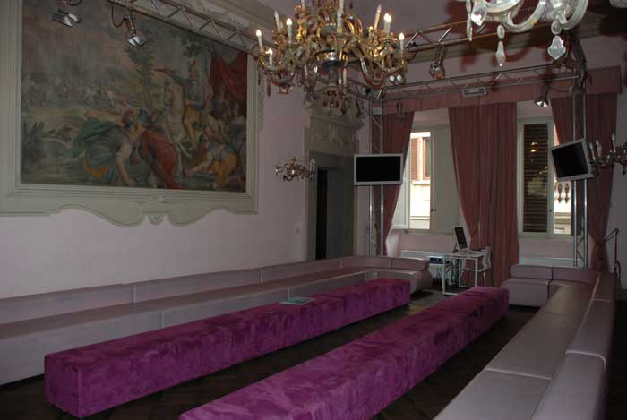 "To find the main ""Strozzi"" meeting room…"